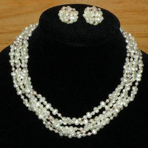 Beautiful vintage choker and clip on earrings